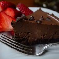 Vegan No-Bake Chocolate Pudding Tart
