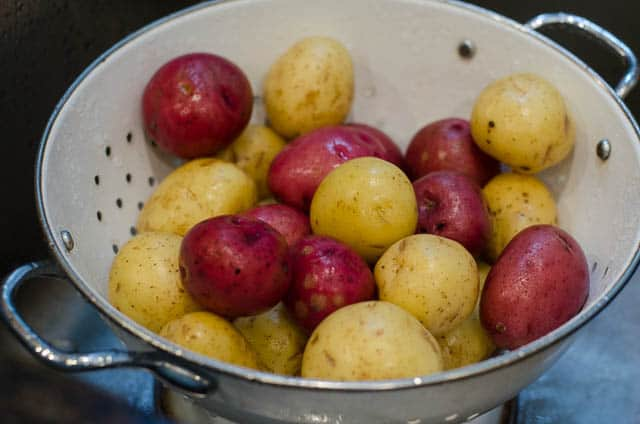 Lemon-and-Garlic-Roasted-Potatoes