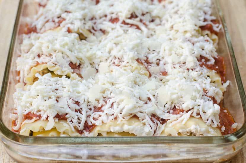 Chicken Pesto Lasagna Rollups-031