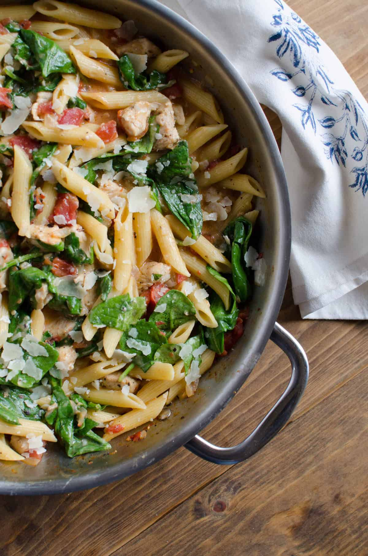 Chicken and spinach skillet pasta valeries kitchen this chicken and spinach skillet pasta requires just one pan and 30 minutes to prepare forumfinder Choice Image