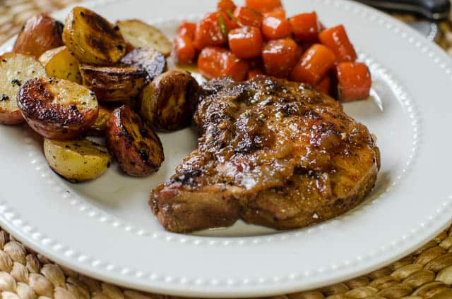 Easy recipes for thin cut pork chops in a skillet