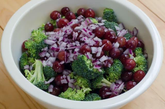 Broccoli Grape Salad with Feta