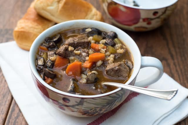 Slow Cooker Vegetable Beef Barley Soup