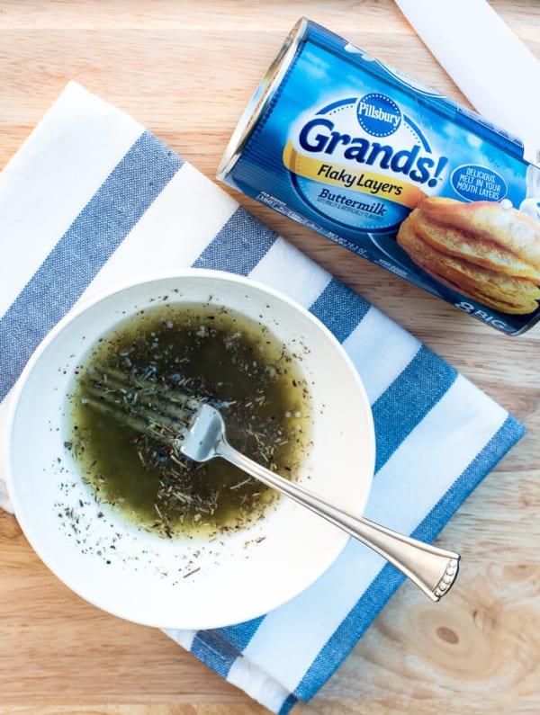 Easy Garlic Herb Parmesan Pull-Apart Biscuits | www.fromvalerieskitchen.com